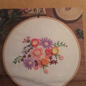 Embroidery Craft Kit, NWT